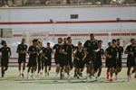 مران الزمالك | كارتيرون يعقد جلسة مع اللاعبين ويجتمع بـ شيكابالا استعدادًا لـ غزل المحلة