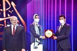 وزير الرياضة يكرم هداية ملاك وسيف عيسى في حفل مهرجان إبداع