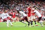 فيديو |الفوز الأول من 2009.. مانشستر يونايتد يسقط على أولد ترافورد بهدف أمام أستون فيلا في الدوري الإنجليزي