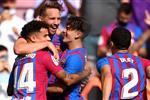 فيديو | قص الشريط.. لوك دي يونج يحرز هدف برشلونة الثاني أمام ليفانتي