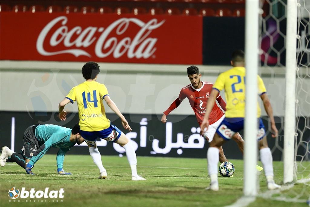 احمد الشيخ في مباراة الاهلي والاسماعيلي