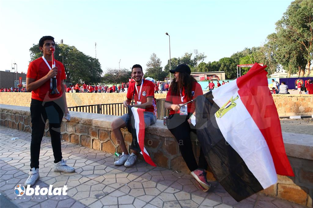 مشجعين المنتخب المصري قبل انطلاق المباراة