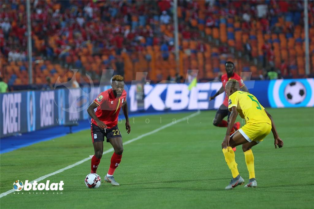 جانب من مباراة زيمبابوي واوغندا