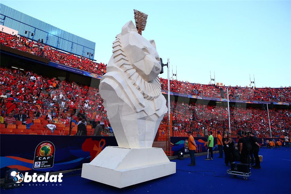 صورة تمثال لقط فرعوني من حفل الافتتاح