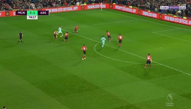 دي خيا يحرم اوباميانج من تسجيل هدف رائع في مباراة مانشستر يونايتد وارسنال