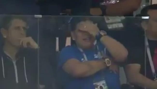 نتيجة بحث الصور عن مارادونا يبكي بعد خسارة الارجنتين امام كرواتيا