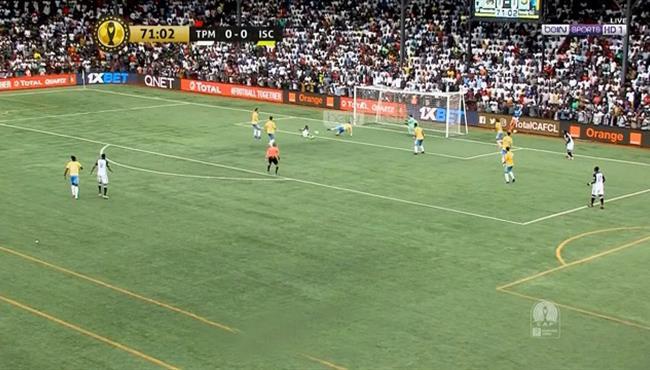 مدافع الاسماعيلي ينقذ هدف محقق لمازيمبي في دوري ابطال افريقيا