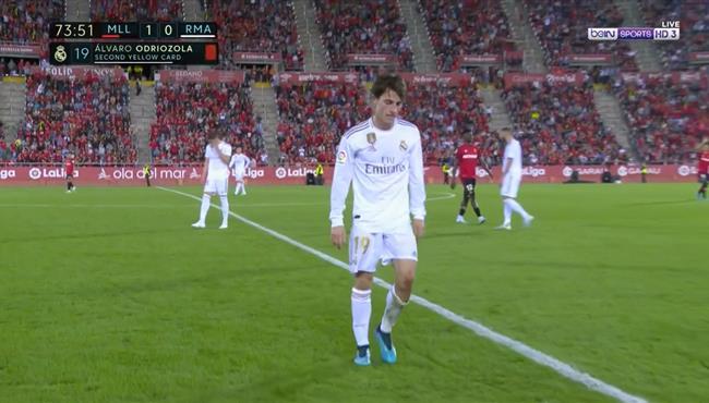 طرد الفارو اودريوزولا في مباراة ريال مدريد وريال مايوركا