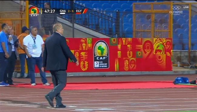 رد فعل شوقي غريب بعد هدف غانا الثاني امام مصر الاولمبي في كاس امم افريقيا تحت 23