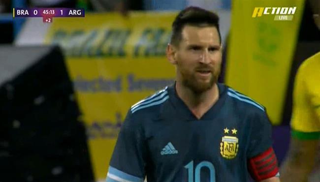ميسي يهدر فرصة هدف محقق امام البرازيل