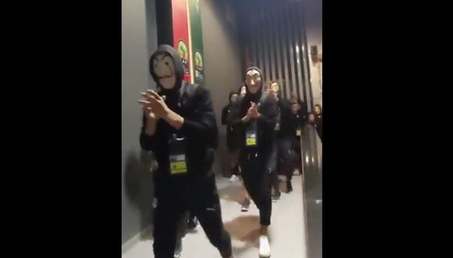لاعبو مصر الاوليمبي يرتدون قناع لاكاسا قبل نهائي امم افريقيا تحت 23 عام