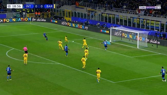 تصدي رائع من نيتو يحرم انتر ميلان من تسجيل هدف في مرمي برشلونة