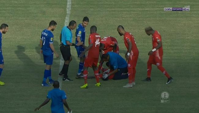 اصابة قوية للاعب سيمبا في مباراة الاهلي بدوري ابطال افريقيا