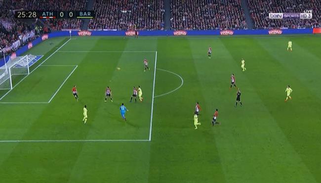 العارضة تحرم ميسي من تسجيل هدف اول لبرشلونة امام اتلتيك بلباو