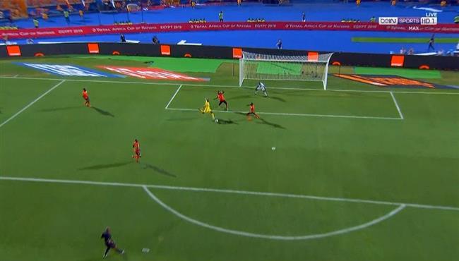 مهاجم زيمبابوي يهدر فرصة هدف التعادل امام اوغندا