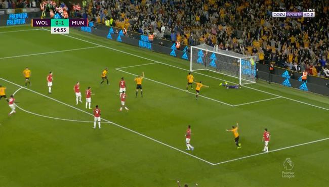 هدف نيفيز الرائع في مرمى مانشستر يونايتد
