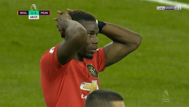بوجبا يهدر ركلة جزاء في مباراة مانشستر يونايتد وولفرهامبتون بالدوري الانجليزي