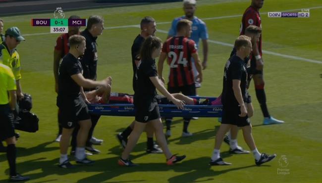اصابة قوية لدانيلز في مباراة مانشستر سيتي وبورنموث