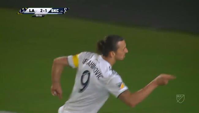 هاتريك ابراهيموفيتش في مباراة لوس انجلوس جالاكسي ووسبورتينج كانساس بالدوري الامريكي