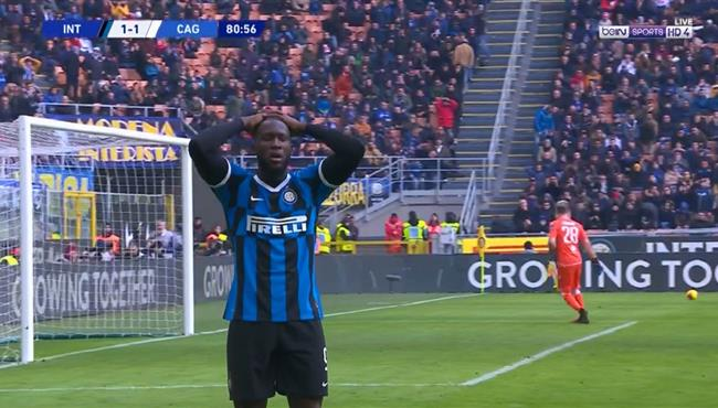 لوكاكو كاد ان يسجل هدف رائع بعد انطلاقه عنترية من منتصف الملعب