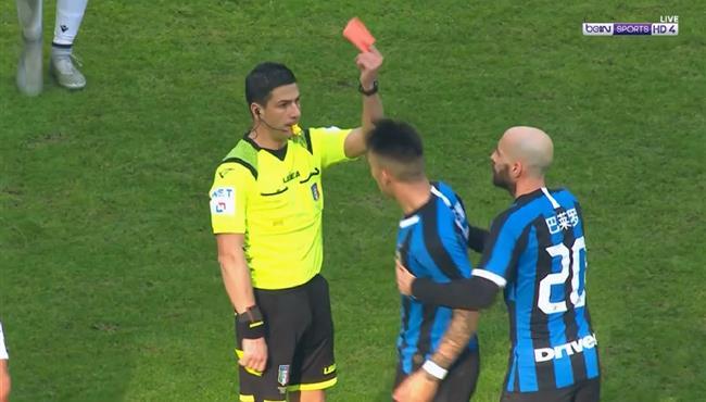 طرد مارتينيز في مباراة انتر ميلان وكالياري ورد فعله وبكاء طفل من المشجعين