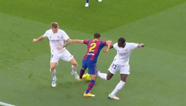 مهاراة ديست الرائعة في مباراة برشلونة وريال مدريد