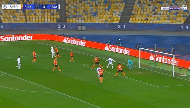 القائم يحرم اسينسيو من تسجيل هدف ريال مدريد الاول امام شاختار ورد فعل زيدان