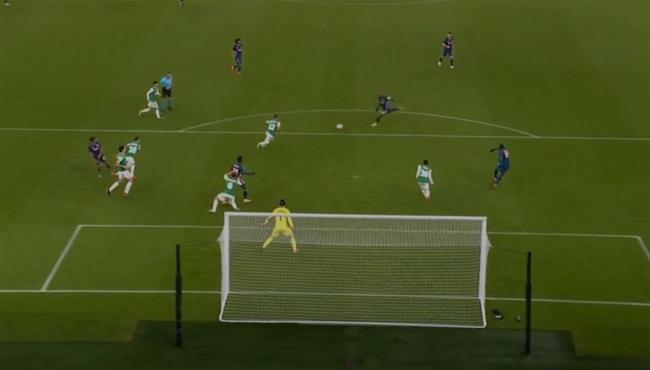 القائم يرد هدف رائع لـ لاكازيت في مباراة ارسنال ورابيد فيينا