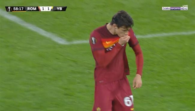هدف ريكاردو كالافيوري الصاروخي في مباراة روما ويانج بويز