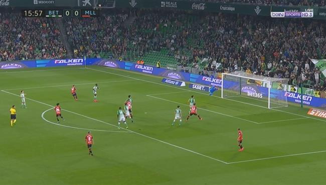 هدف رائع علي الطاير لـ ريال مايوركا في مرمي ريال بيتيس بالدوري الاسباني