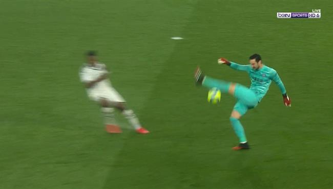 لقطة كوميدية من سيرجيو ريكو في مباراة باريس سان جيرمان وبوردو