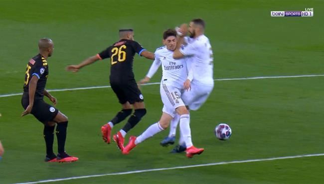 اصطدام قوي بين بنزيما وفالفيردي في مباراة ريال مدريد ومانشستر سيتي