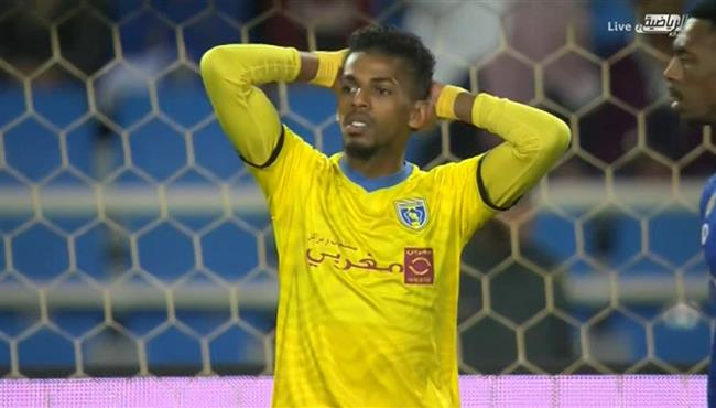 العارضة تحرم التعاون من تسجيل هدف التعادل امام الهلال في الدوري السعودي