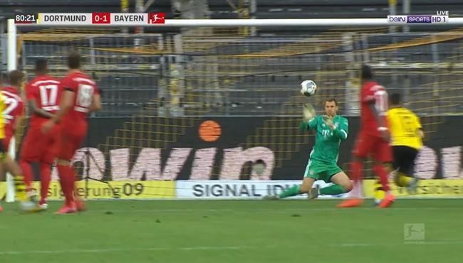 تصدي نوير الرائع في مباراة بايرن ميونخ وبوروسيا دورتموند
