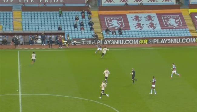 تريزيجيه يراوغ راشفورد بطريقة رائعة في مباراة استون فيلا ومانشستر يونايتد