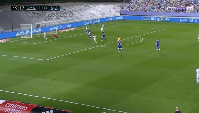 هدف ريال مدريد الثاني فى مرمي ديبورتيفو الافيس (2-0) الدوري الاسباني