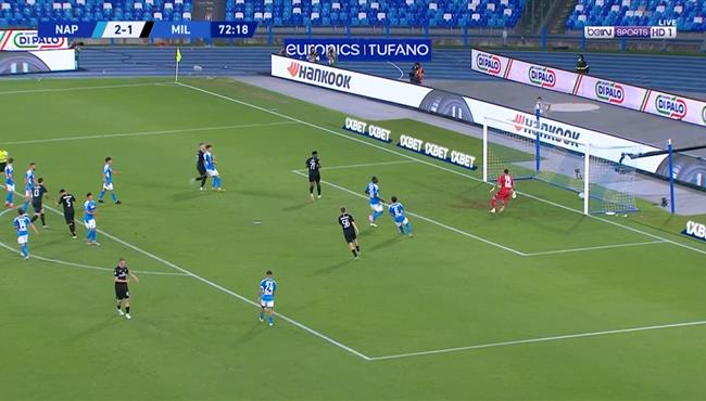 هدف ميلان الثاني في مرمي نابولي (2-2) الدوري الايطالي