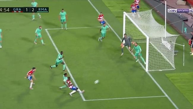 راموس وكورتوا ينقذان ريال مدريد من هدف قاتل لغرناطة في الدقائق الاخيرة