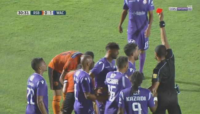 طرد يحيى جبران في مباراة الوداد ونضة بركان بالدوري المغربي