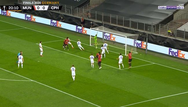 العارضه تحرم مانشستر يونايتد من تسجيل هدف اول امام كوبنهاجن