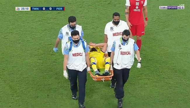 اصابة لاعب التعاون وخروجه امام برسبوليس في دوري ابطال اسيا