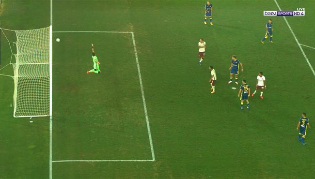 العارضة تحرم لاعب روما من تسجيل هدف عالمي أمام هيلاس فيرونا