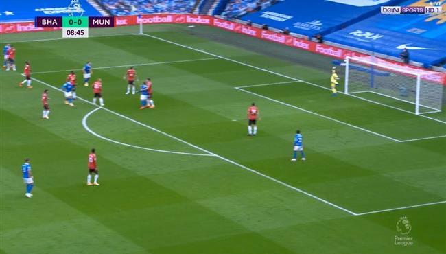 القائم يحرم تروسارد من تسجيل هدف رائع في مرمي مانشستر يونايتد