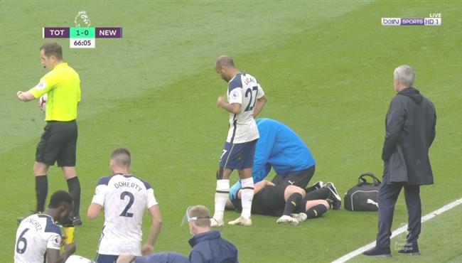 اصابة قوية لمات ريتشي لاعب نيوكاسل ورد فعل جوزيه مورينيو