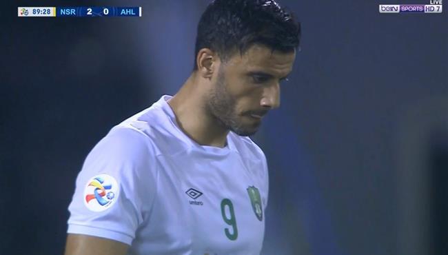 العارضة تحرم عمر السومة من تسجيل هدف امام النصر في الوقت القاتل