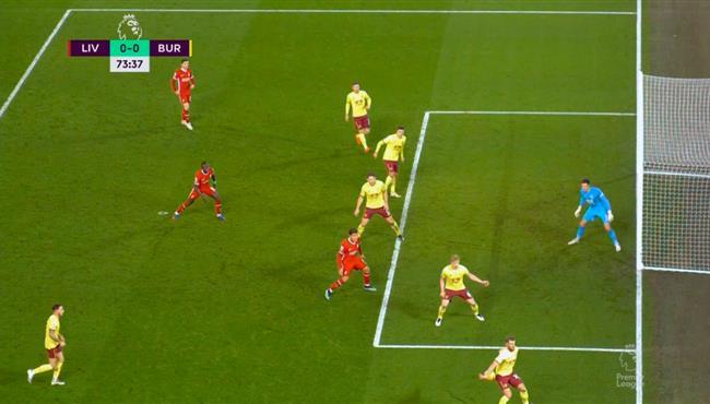 هل حرم الحكم ليفربول من ركلة جزاء امام بيرنلي بالدوري الانجليزي