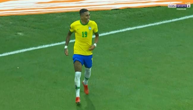 هدف البرازيل الثالث في مرمي اوروجواي بتصفيات كاس العالم رافينيا