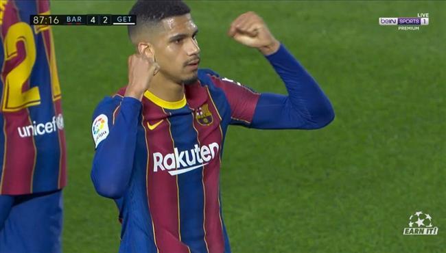 هدف برشلونة الرابع في مرمي خيتافي .. رونالد أراخو