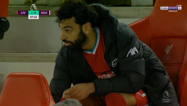 لحظة خروج محمد صلاح في مباراة ليفربول وساوثهامبتون