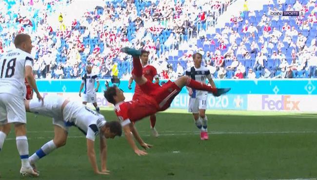 اصابه ماريو فرنانديس وتبديله في مباراة روسيا وفنلندا
